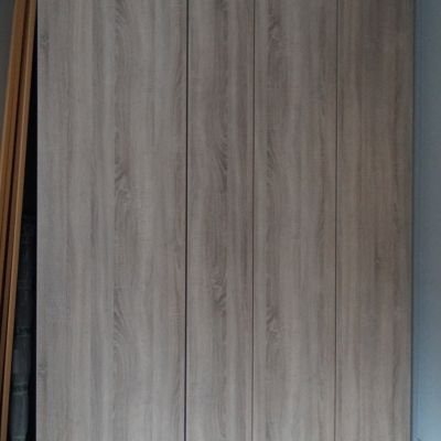 Wardrobe in grey bardolino oak