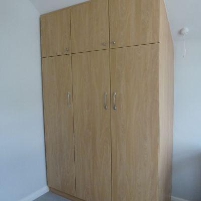 angled wardrobe natural montana oak