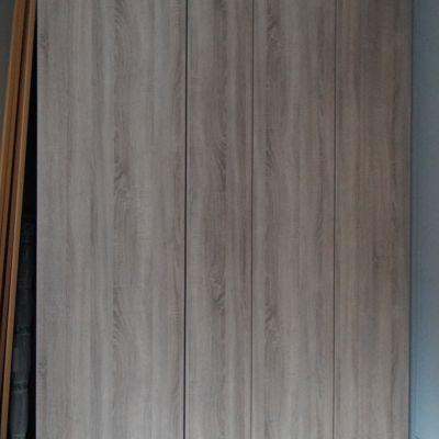 Wardrobe in grey bardolino oak