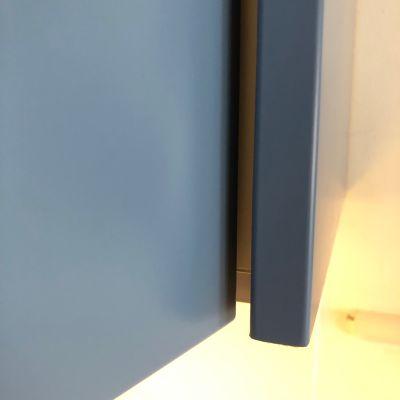 oversailed door corner open