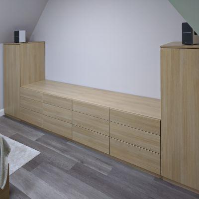 Handless drawers using Blum TIPON Blumotion runners