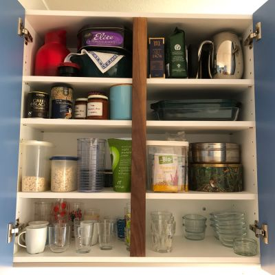 wall-hung kitchen cabinet