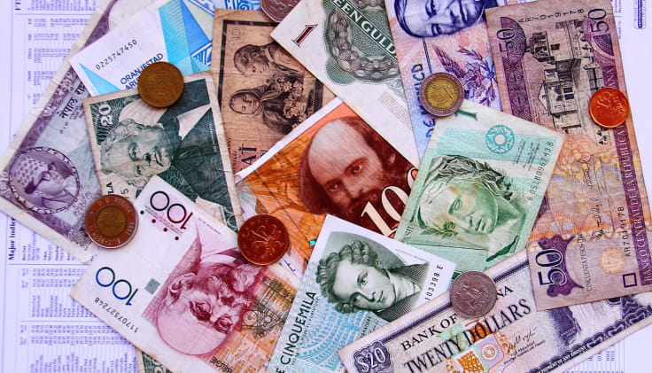 Foreign currency exchange via LiveChat