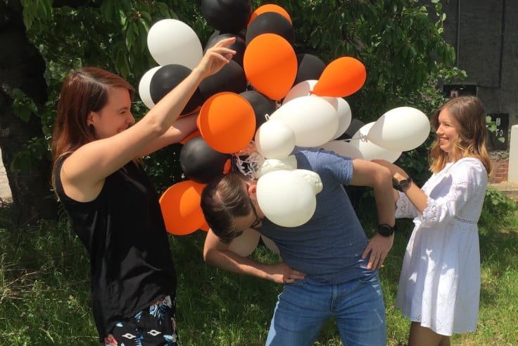 Livechat content marketing team celebrates blog success