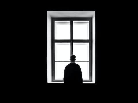 Pandemia e o luto coletivo   Posvenção e prevenção do Suicídio
