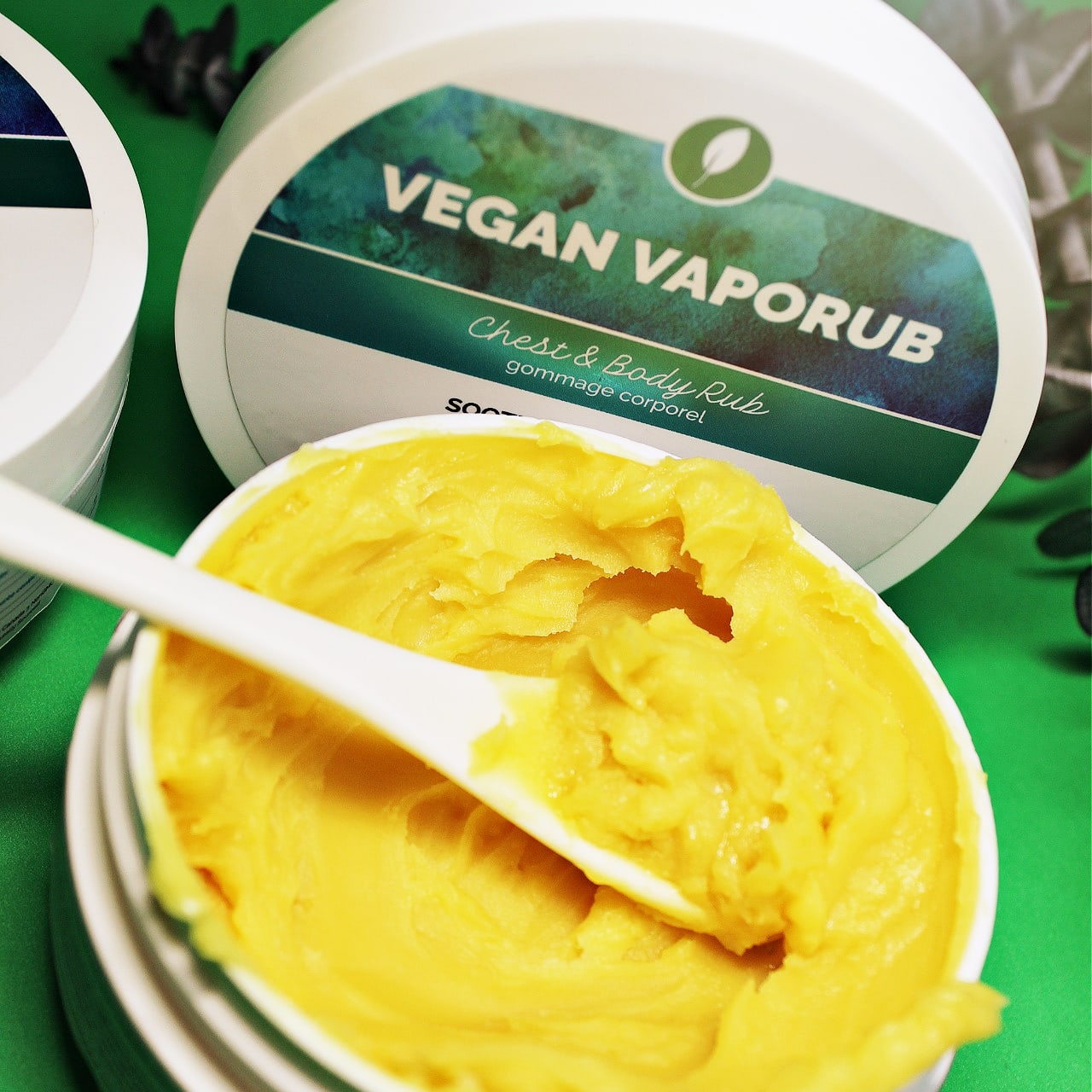 Vegan Vapor Rub - by Lowens.ca #vegan #vapor #vaporub #chestrub #coldseason #chestandbody #allnatural #canadiangreenbeauty