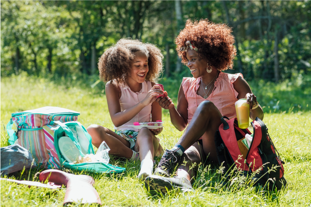 Here are 10 Perfect Spots for Mama's Day Picnic