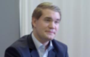 DNA:n Business Managerilta Sebastian Franckenhaeuserilta, miten firmojen kannattaa suhtautua mobiililaitteiden tietoturvaan ja mikä on kiinnostavinta mobiiliverkkojen kehityksessä juuri nyt