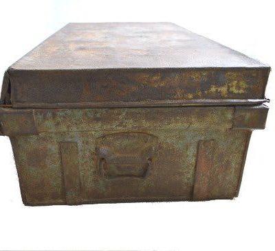 Metalen koffer roest