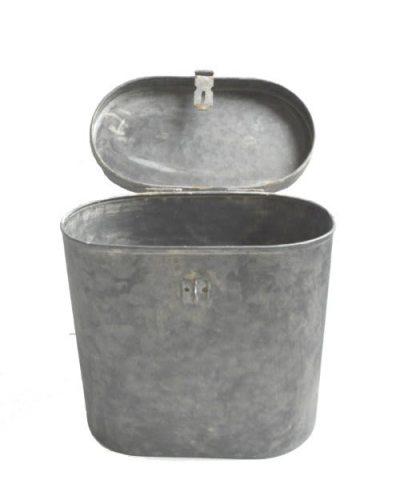 Metalen doos met deksel