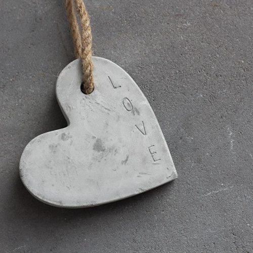 Herz aus Beton