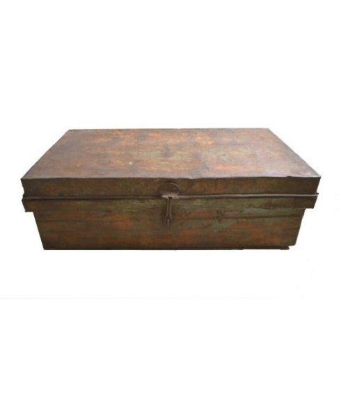 Körbe, Kisten und Koffer