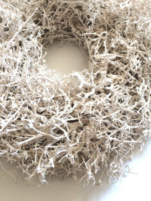 Kranz aus weiße Zweigen Detail