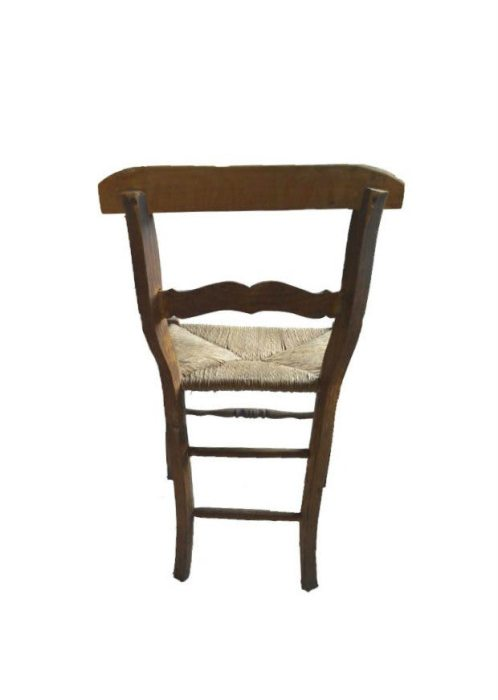 houten stoel achteraanzicht