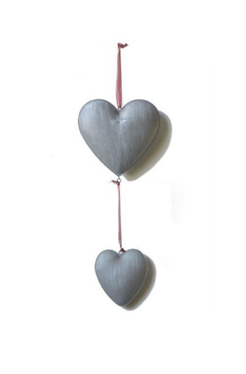 Metalen harten aan lint