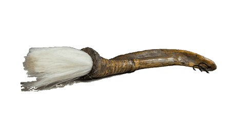 Horn mit Pinsel Detail