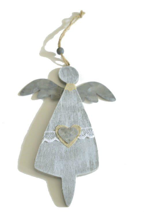 Engel aus Holz und Metall
