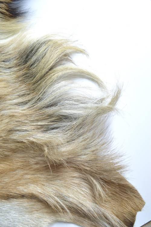 Ziegenfell langhaar blond Detail
