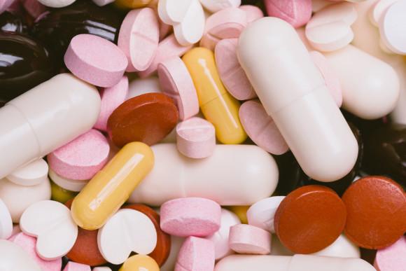 Scattered pills