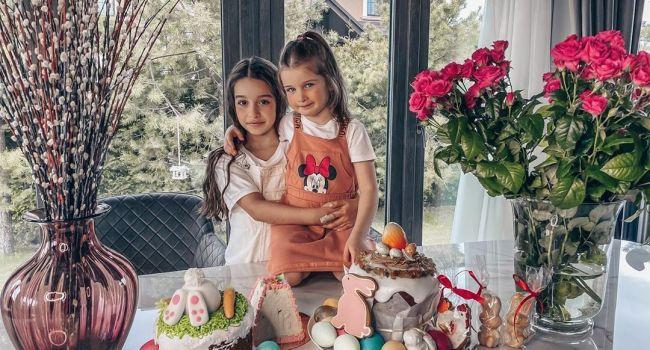 Ксения Бородина показала красоту своих дочерей всему интернету