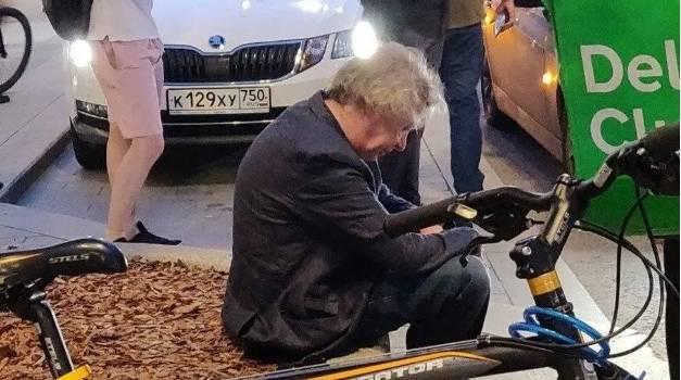 «Пяный в хлам»: Михаил Ефремов пересек двойную сплошную и лоб в лоб влетел во встречную машину