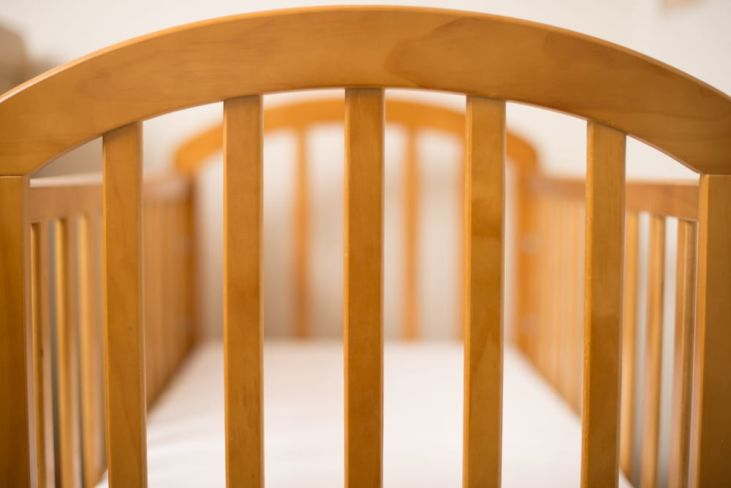 how to build a baby crib from scratch