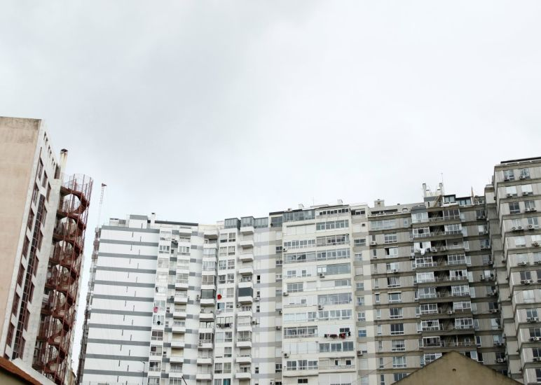 Rouge, jaune, noire, blanche. Lisbonne, Portugal. 2014