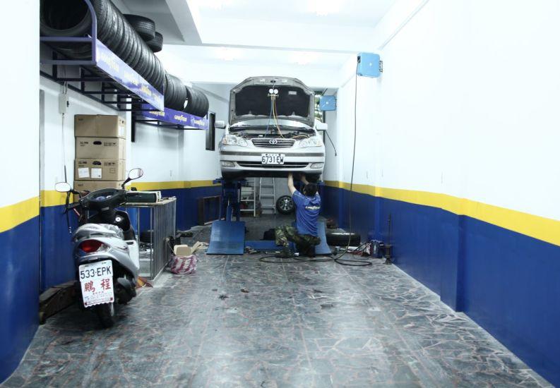 Le mécanicien. Keelung, Taïwan. 2010