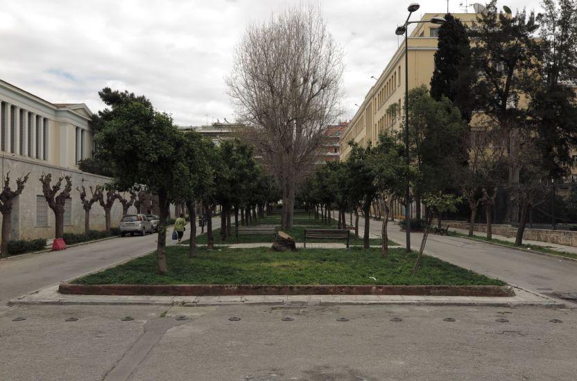 La petite mort. Athènes, Grèce. 2015