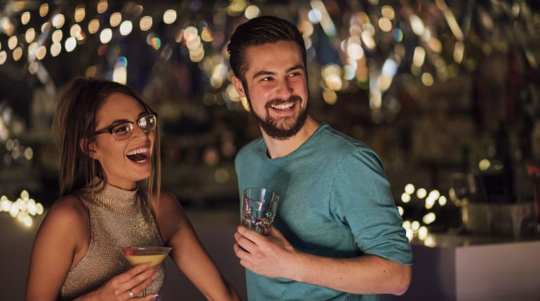 ourtime dating huijauksia