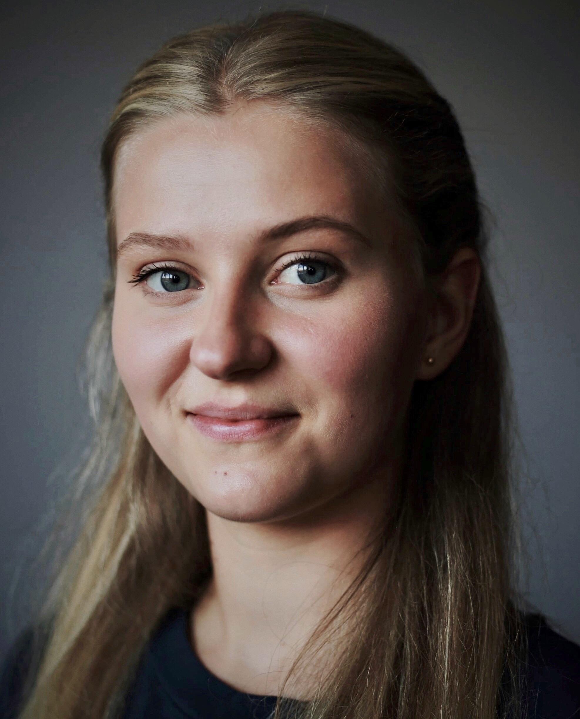 Institutt for scenekunst - Margrét Erlendsdóttir - utøver innen sang, skuespill, dans og musikkteater