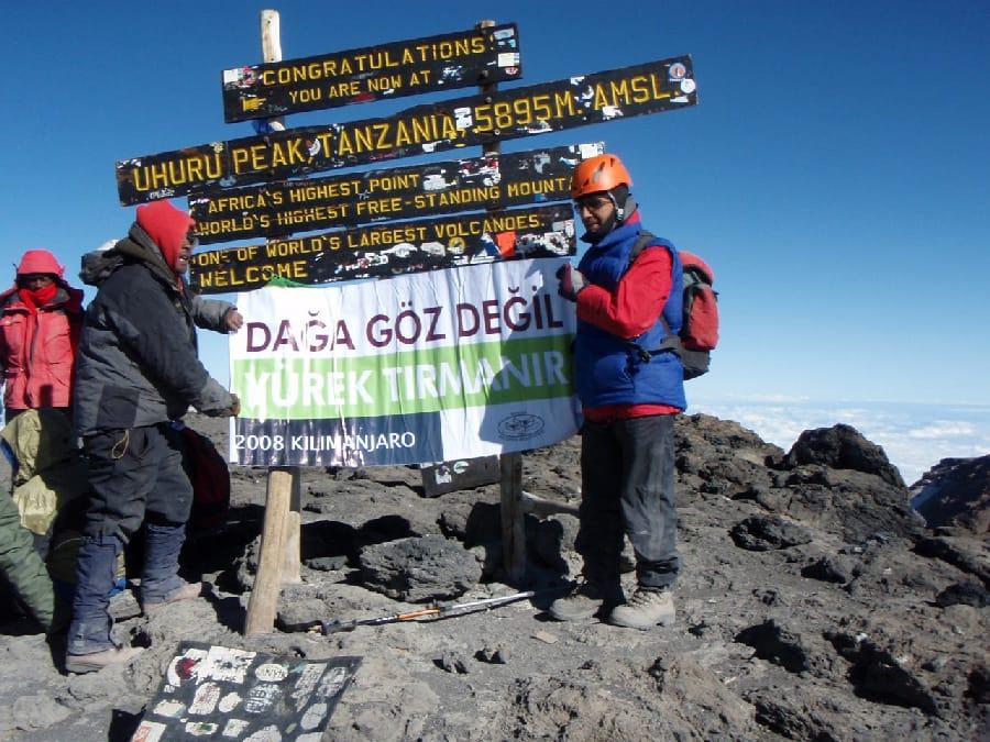 Necdet Turhan - 5 Kıtada 5 Maraton 5 Zirve - Klimanjaro Tırmanışı