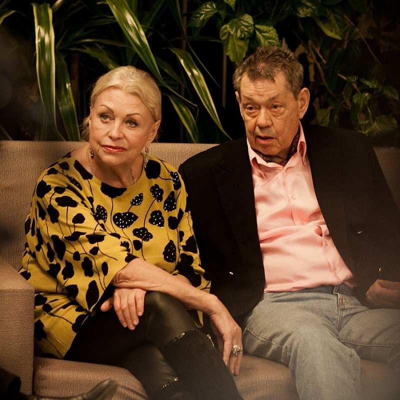 Вдова Караченцова Поргина осадила Старостину на шоу Малахова, назвав «грубиянкой»
