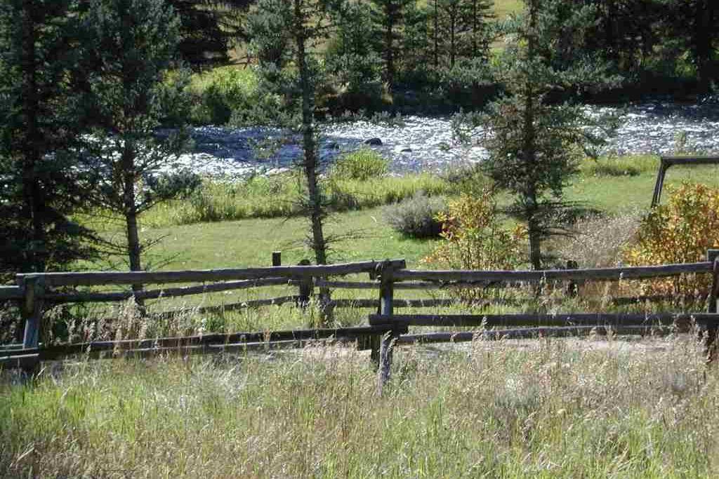 Lot-6 Rainbow Ranch Road Gallatin Gateway