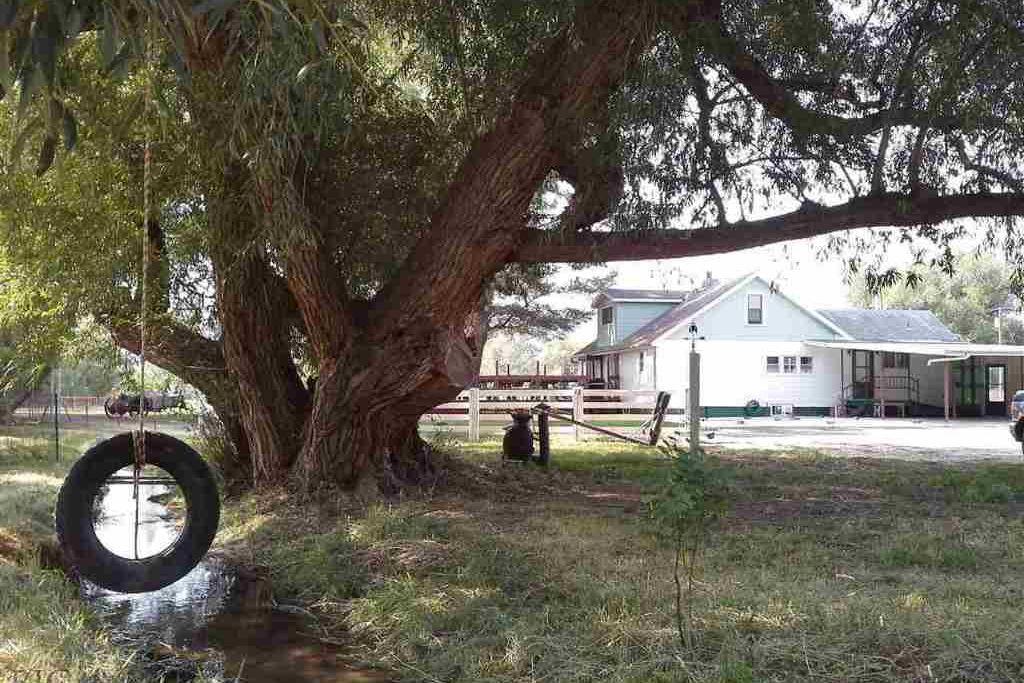 2 Willow Drive Livingston