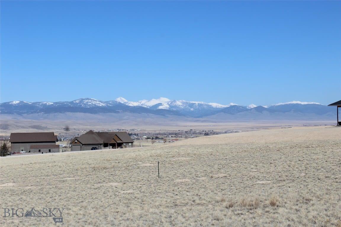 419 Ten Peaks Drive Dillon