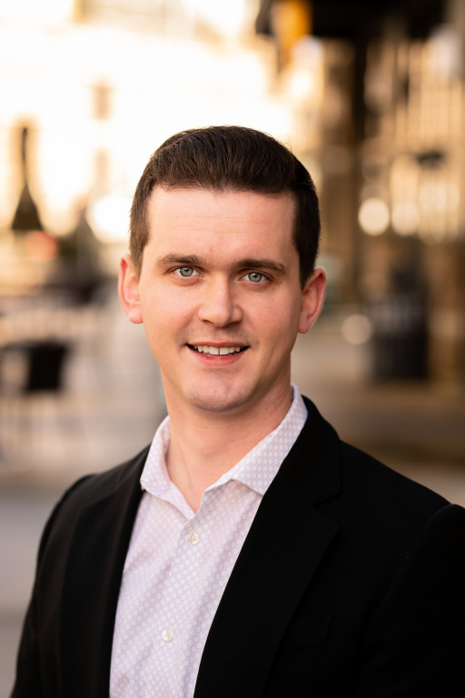 Chase Hedin Bothell Washington Real Estate Broker