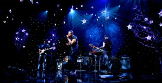 Coldplay 现场演奏 A Sky Full Of Stars