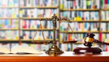 会社の経営や資金繰りに困ったら必須の弁護士相談。弁護士を雇うメリットや、弁護士費用が払えない時の対応は?