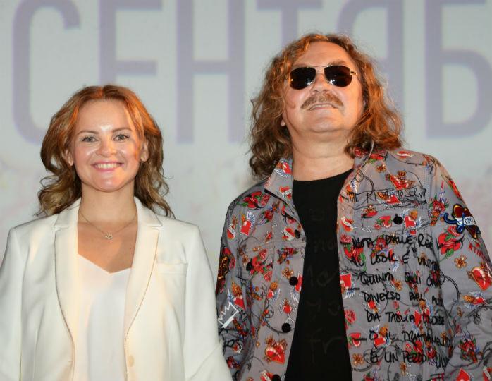 Жена Николаева обнародовала фото веселой вечеринки с Ковальчук и Чумаковым