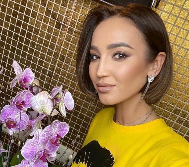 Ольга Бузова – настоящая модница: яркие и стильные образы певицы восхищают фанатов