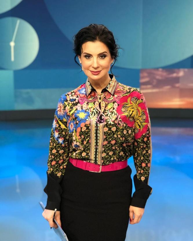 """Екатерина Стриженова пришла на шоу """"Вечерний Ургант"""" в эффектном образе"""