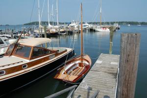 Coecles Harbor Marina & Boatyard