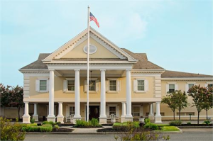 Lawrence Yacht & Country Club