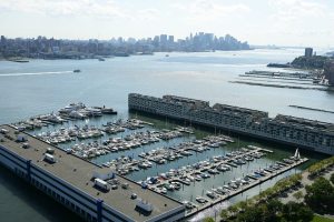 Lincoln Harbor Yacht Club