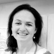 Dr. Claire Aper