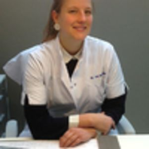 Dr. Yora Mostmans