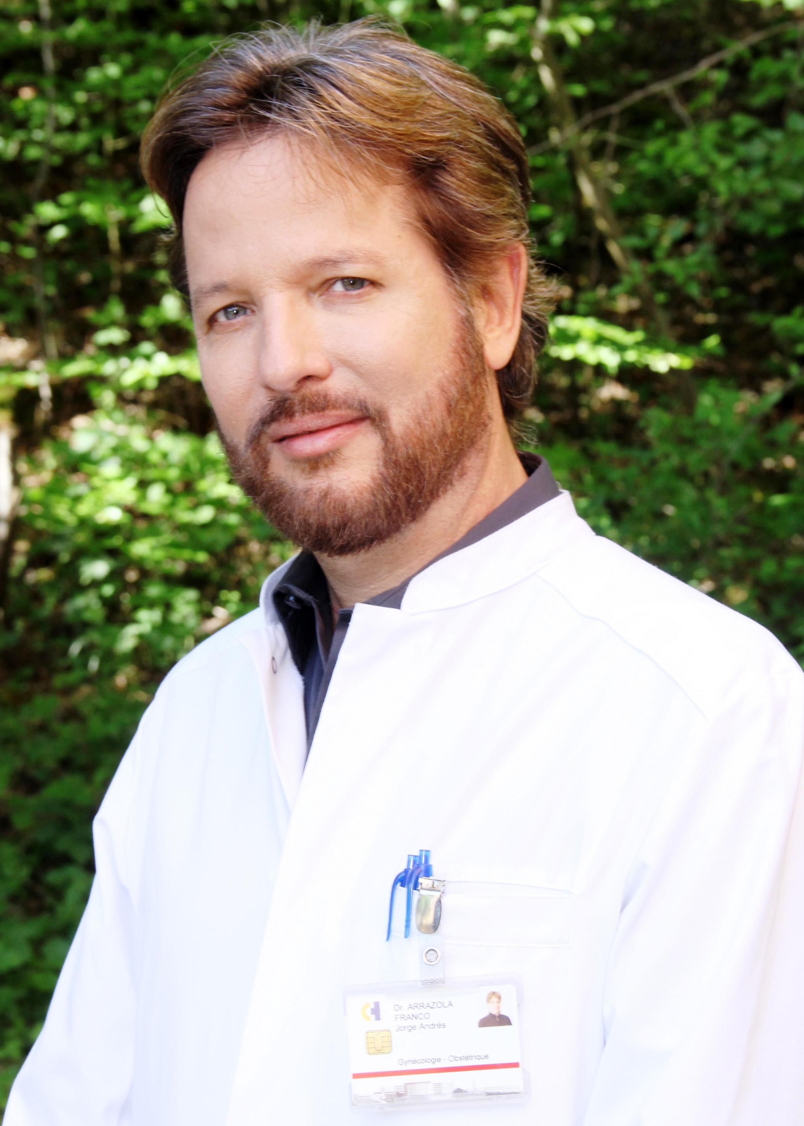 Dr. Jorge Arrazola