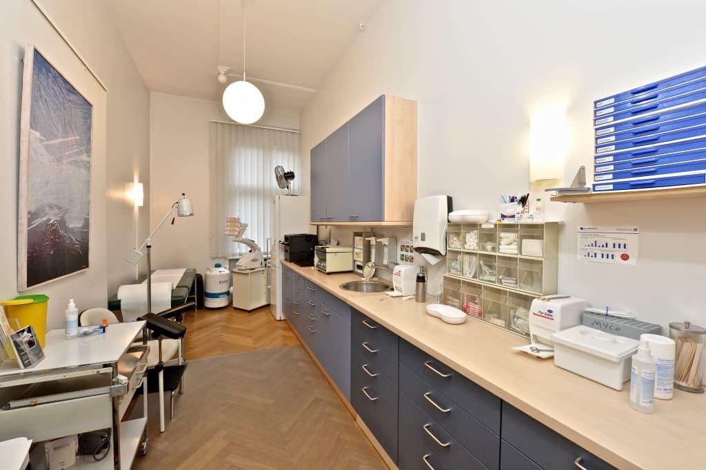 Dr. med. Tilmann Rieken, Hautarzt Dermatologe in Berlin kBmPE