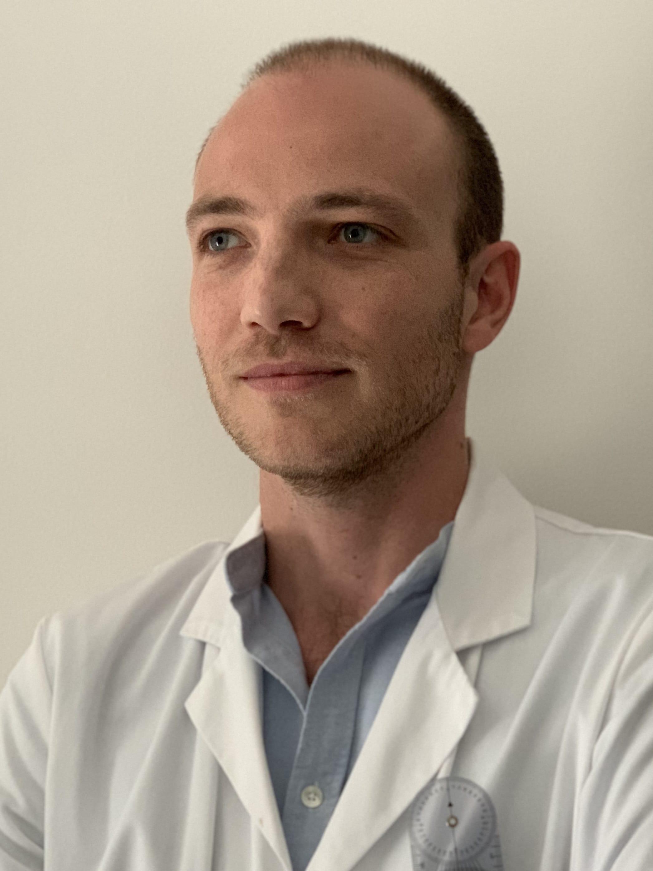 Dr Vittorio Ferrari Chirurgien Orthopédiste à Amiens Chaulnes Beauval